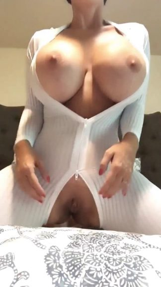 Nude Snapchat Big Boobs Girl with Nice Outfit
