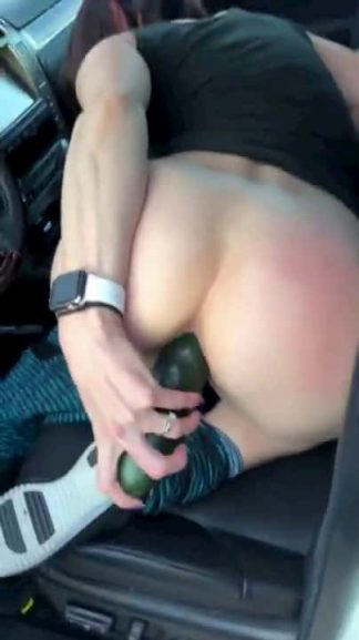 Snapchat slut masturbates with a big cucumber in car