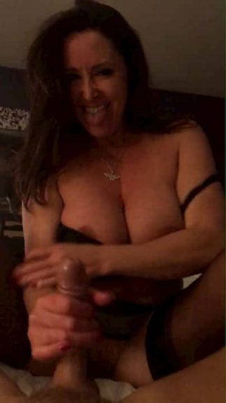 Snapchat brunette MILF blowjob next door wife sucking dick