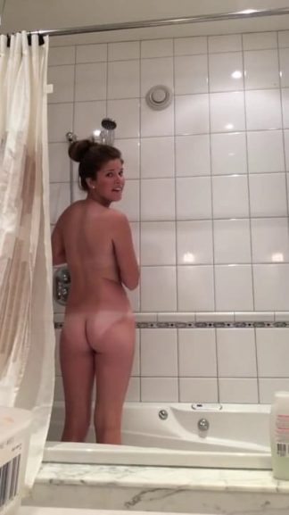 Horny MILF Snapchat beautiful mature nude shower with sexy tan lines