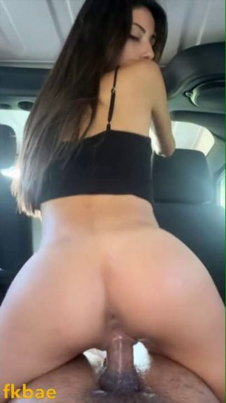 Hot snapslut met online rides bbc in car & gets a mouthful on first date